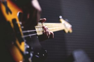 bass-guitar-lessons-aurora-co-performance-play-music-school